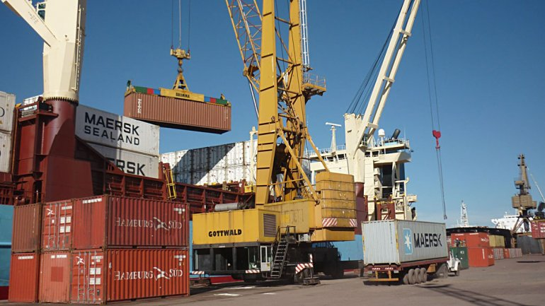 Las exportaciones tuvieron otro mes de caída