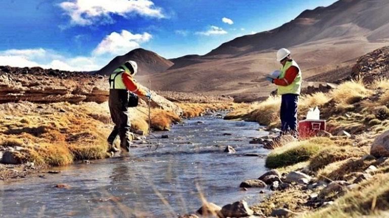 Controles: expertos de la ONU comenzaron a tomar muestras del agua del río San Juan